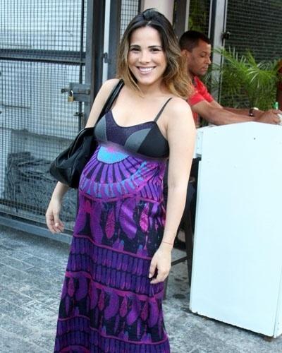 Grávida de nove meses, Wanessa Camargo exibe barrigão na festa de aniversário da filha de Ronaldo (20/1211)