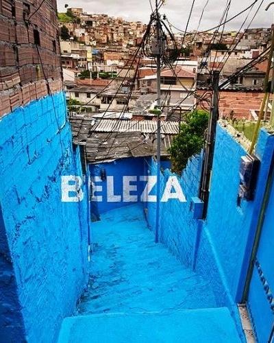 A convite da Embaixada da Espanha no Brasil, o coletivo BoaMistura esteve na favela Vila Brasilândia, na zona norte de São Paulo (27/2/12)