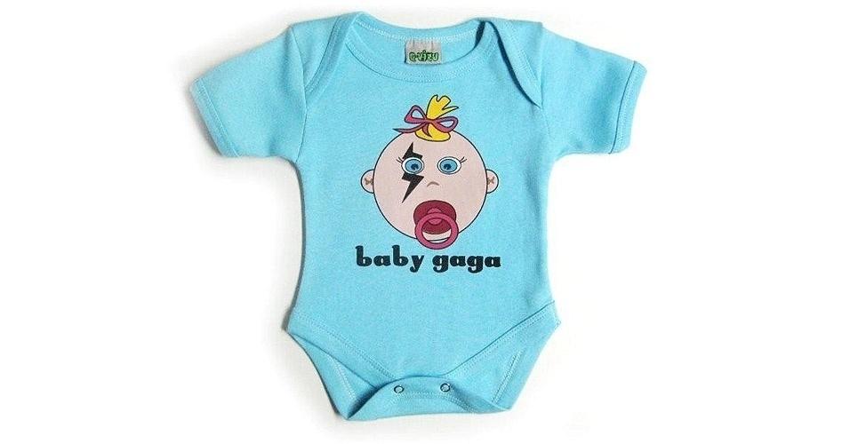 """Body """"Baby Gaga"""", unissex e confeccionado em algodão. Disponível nos tamanhos P, M, G e GG. Preço: R$ 69, na Q-vizu (www.qvizu.com.br). Preço consultado em março de 2012"""