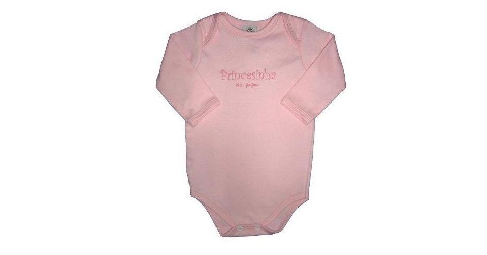 """Body """"Princesinha do Papai"""". 100% algodão e feito em suedine. Disponível nos tamanhos RN, P, M, G e GG. Preço: R$ 21,90, na Momento Encantado (www. momentoencantado.com.br). Preço consultado em março de 2012"""