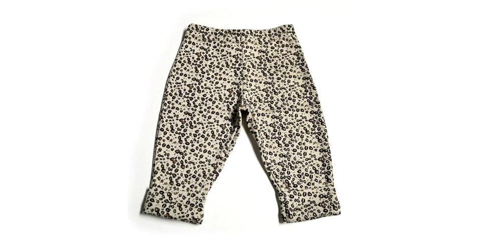 Calça feminina de oncinha, 100% algodão. Disponível nos tamanhos P, M, G e GG. Preço: 69, na Q-Vizu (www.qvizu.com.br). Preço consultado em março de 2012