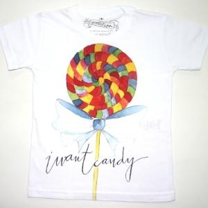"""Camiseta """"I Want Candy"""" (eu quero doces, em tradução livre) 100% algodão. Disponível nos tamanhos de dois aos oito anos. Preço: R$ 35, na El Cabriton (www. elcabriton.com.br). Preço consultado em março de 2012"""
