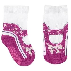 Par de meias feminino antiderrapante, em formato de sapatilha de bailarina. Disponível nos tamanhos RN, BB, PP e P. Preço: R$ 19,90, na Babysol (www.marisol.com.br). Preço consultado em março de 2012