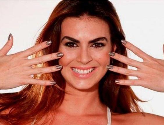 modelo de 23 anos Renata Molinaro é uma das novas panicats do
