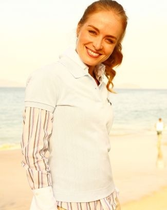 """Angélica em foto de divulgação do seu programa de entrevistas, """"Estrelas"""" (ago.2008)."""