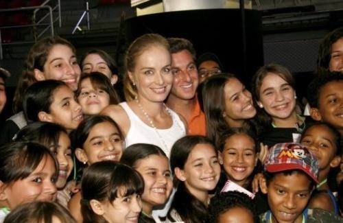 Angélica grava o Criança Esperança com o marido Luciano Huck (1/8/08).