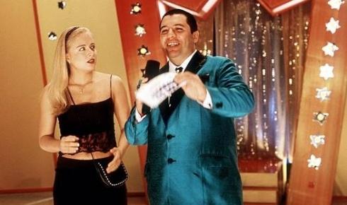 Ao lado do falecido Bussunda, Angélica atua no filme 'Zoando na TV' (jan.1999).