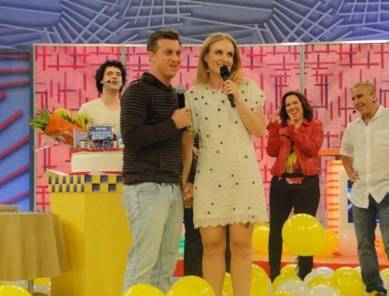 Bruno Garcia, Luciano Huck, Ang&#233;lica, Renata Castro Barbosa e Eri Johnson durante a festa de comemora&#231;&#227;o de 10 anos do progama &#34;Videogame&#34; &#40;23/11/11&#41;.