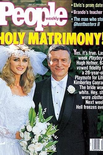 A revista people destaca o casamento da modelo Kimberley Conrad e de Hugh Hefner, os dois permaneceram casados até o final de 2009, quando ela entrou com o pedido de divórcio. Foi com Kimberly que ele teve seus dois filhos, Marston Glenn Hefner, 22 anos, e Cooper Bradford Hefner, 21.