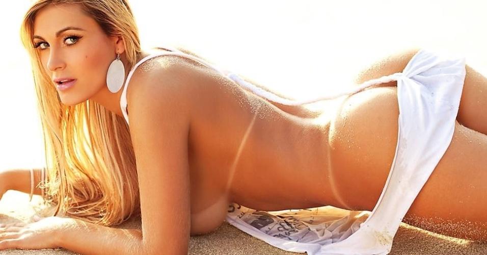 """Andressa aparece na primeira foto divulgada pela revista """"Sexy"""", cuja edição de abril leva ensaio da ex-bailarina do cantor Latino"""
