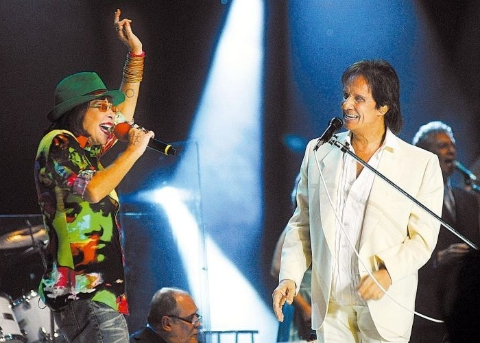 A cantora Rita Lee e Roberto Carlos dividem o palco pela primeira vez em grava&#231;&#227;o de especial de Natal da TV Globo, no Arena HSBC, no Rio de Janeiro &#40;11/12/08&#41;.
