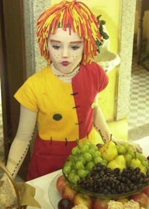 A segunda versão do Sítio na Rede Globo teve Isabelle Drummond no papel de Emília (2003)