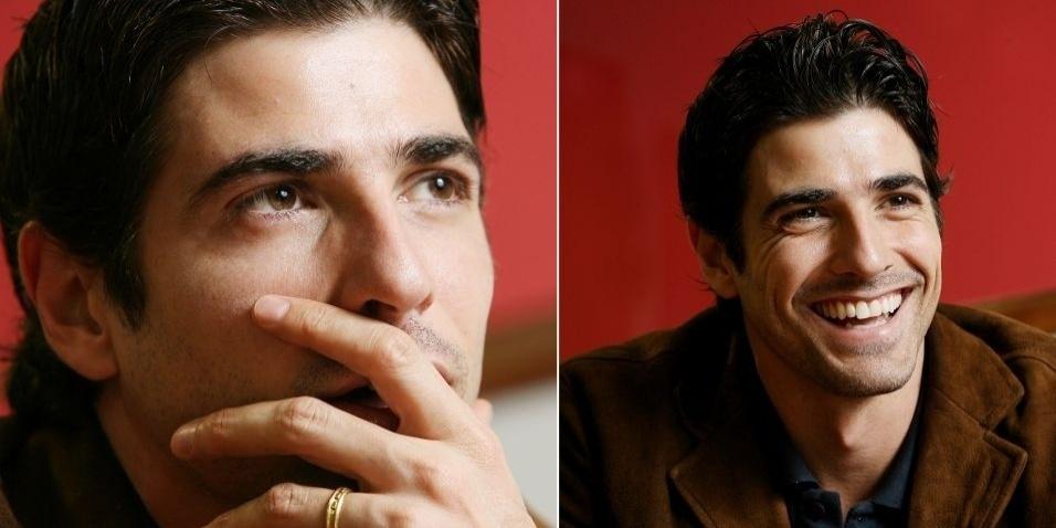 """Entrevista com Reynaldo Gianecchini para a Folha de SP (22/8/06). O ator falou sobre política e seu relacionamento com a Globo: """"Acho que conquistei alguma coisa. Podem não me achar bom ator, mas espero respeito como alguém que está indo lá ralar, buscar algo. Acho que me respeitam mais, mas ainda sinto que tenho que matar um leão por dia"""""""