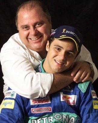 Além do irmão Eduardo, Massa contou desde a estreia na categoria com a presença do pai, Antonio Massa, e da mãe, Ana Helena, apoios que ele classificou como indispensáveis, em entrevistas (jun.2002).