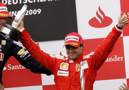 Felipe Massa, da Ferrari, comemora o terceiro lugar no GP da Alemanha de 2009, em Nurburgring (12/7/09).