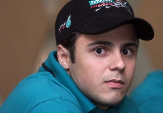 Massa defendeu a Sauber em 2002, 2004 e 2005 (em 2003 foi piloto de testes da Ferrari). Pela escuderia - hoje extinta da Fórmula 1 -, o brasileiro teve o quarto lugar na Bélgica, em 2004, e no Canadá, em 2005, como melhores posições (mai.2002).