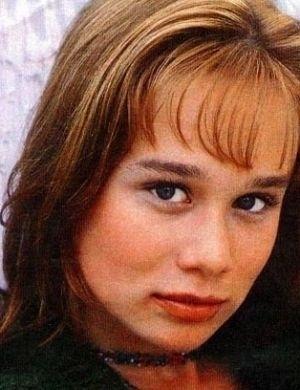 A atriz Mariana Ximenes aos 15 anos (1996)