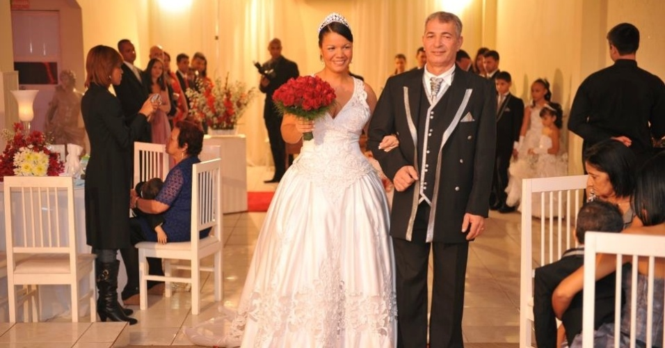Ap&#243;s mais de 10 anos juntos, o casal Lidia de Oliveira e Jos&#233; Luiz de Moraes, oficializaram a uni&#227;o no dia 18 de junho de 2011, no Rio de Janeiro. &#34;Somos o casal mais feliz do mundo&#34;, afirma Lidia.