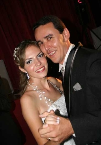 veira Valise Barbosa conta que o escolheu o dia de seu casamento em homenagem ao seu santo de devo&#231;&#227;o, Santo Expedito. Ela se casou com Andr&#233; Rosa Barbosa no dia 19 de abril de 2008. &#34;Foi um dia muito especial e emocionante&#34;, conta Marina