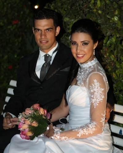 O casal J&#233;ssica Vieira Caldeira Rosa e Alex Leandro Caldeira Rosa oficializou a uni&#227;o em 2 de dezembro de 2011, na Igreja do Evangelho Quadrangular, em Nova Odessa (SP). &#34;O dia mais feliz da minha vida&#34;, conta J&#233;ssica.