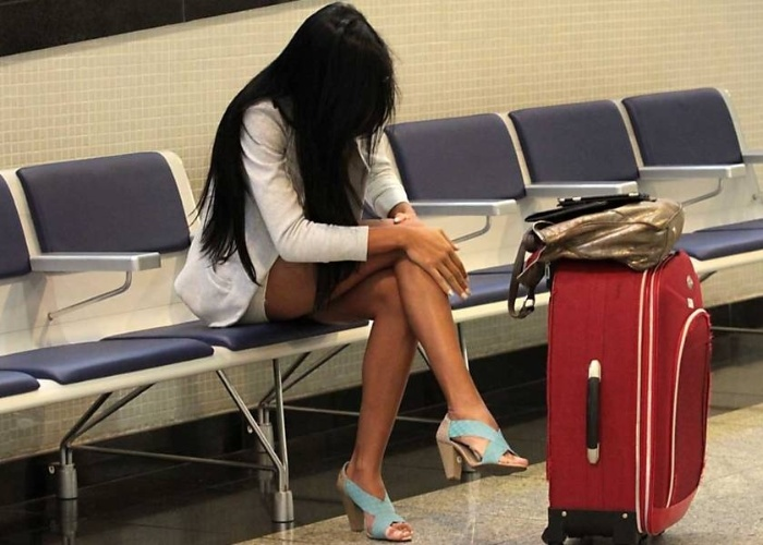 Lorena Bueri, a Gata do Paulist&#227;o 2012, &#233; fotografada no aeroporto de Congonhas, em S&#227;o Paulo &#40;17/5/12&#41;.
