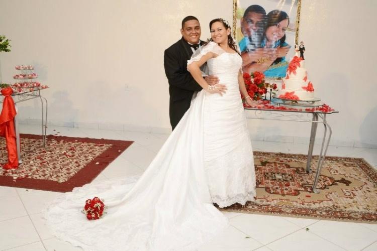 Fernando Alex e Cristiane Araújo se tornaram marido e mulher no dia 25 de fevereiro de 2012 em João Pessoa, na Paraíba.