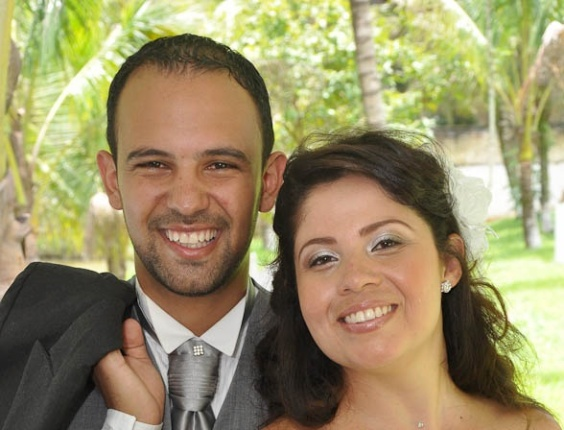 Os internautas Felipe Claro e Danielle Sant' Ana de Oliveira Claro celebraram a união na Chácara Mario Hosken no dia 30 de janeiro de 2012, em Resende, no Rio de Janeiro.