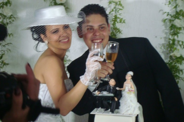 Thaise se casou com o marido, Heber Augusto, no dia de seu aniversário. A união aconteceu no dia 11 de fevereiro de 2012 em São Paulo.