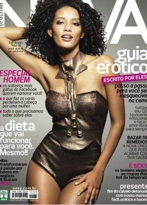 """Thaís Araújo, uma das protagonistas da novela """"Cheias de Charme"""", exibe o corpo sarado na capa da revista """"Nova"""" de junho"""