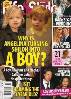"""Capa da revista """"Life & Style"""" critica o comportamento da mãe Angelina Jolie, e diz que ela está transformando a filha Shiloh em um menino (4/3/10)"""