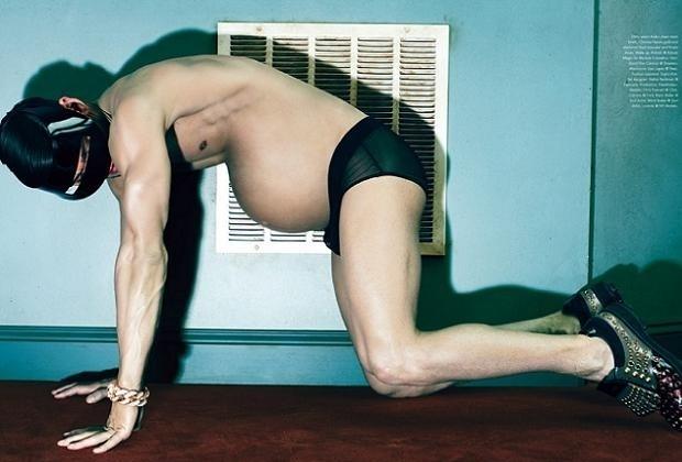 O fotógrafo norte-americano Steven Klein tem chamado a atenção do mundo todo com fotos que fez para a revista ?Candy?. As imagens têm como destaque um homem grávido