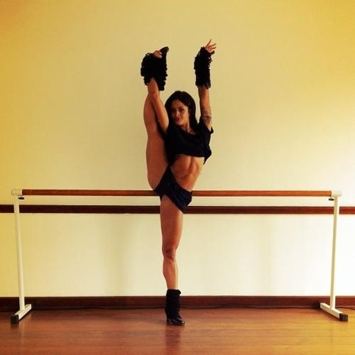 """Capa da edição de junho da revista Playboy, a dançarina do """"Domingão do Faustão"""" Aline Riscado recebeu muitos elogios do diretor de arte da publicação, Alexandre Ferreira, nesta segunda-feira (28/5/12)."""