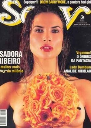Em 2001, a bela atriz Isadora Ribeiro estampou a capa da revista 'Sexy', em mais um ensaio nu