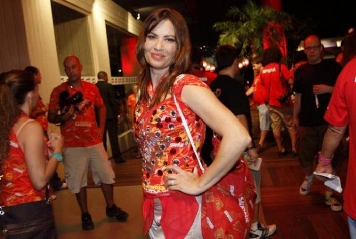 Isadora Ribeiro entre os famosos no Camarote Brahma, no segundo dia de carnaval do Rio de Janeiro (7/3/11)
