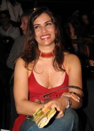 Isadora Ribeiro nos bastidores Fashion Rio 2004, no Rio de Janeiro