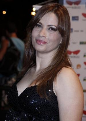 """Isadora Ribeiro prestigia a pré-estreia do filme """"A hora e a vez de Augusto Matraga"""" (14/10/11)"""