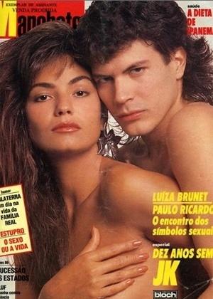 """A modelo Luiza Brunet, 50, usou o Twitter para relembrar uma capa antiga da revista """"Manchete"""", em que aparece fazendo topless, junto com Paulo Ricardo, vocalista da banda RPM. """"Como é bom recordar: RPM década de 80. Grande, maravilhoso, um luxo"""", escreveu Luiza no microblog (12/6/12)"""