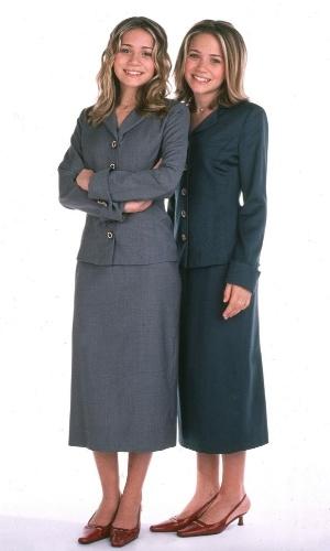As irmãs lançaram uma linha de roupas para serem vendidas em loja de departamento nos EUA (2000)