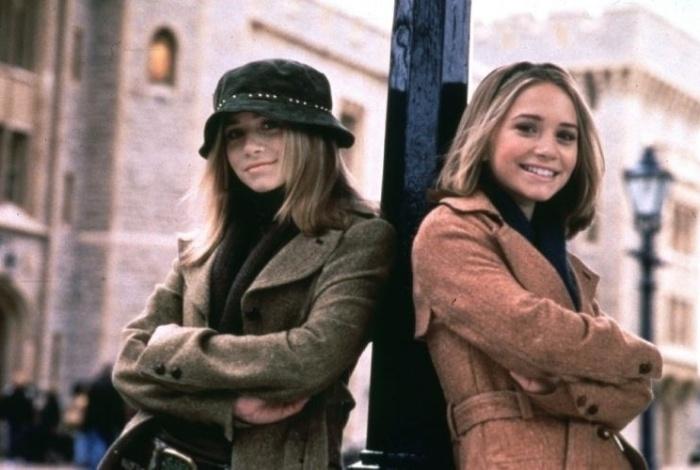Mary-Kate e Ashley Olsen são do signo de gêmeos e têm 1,55m de altura (19/12/00)