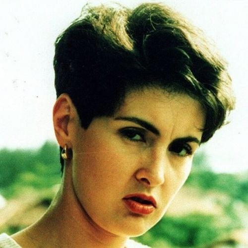 <b>Fátima Bernardes</b> é filha de uma dona de casa e de um sub-oficial da - fatima-bernardes-e-filha-de-uma-dona-de-casa-e-de-um-sub-oficial-da-aeronautica-foto-de-1997-1340218039634_500x500