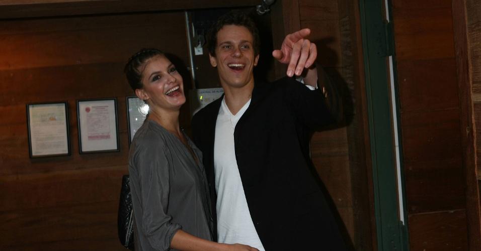 Carol já namorou o nadador Cesar Cielo, em 2009, e adora passar temporadas na terra do Tio Sam (EUA) com amigos brasileiros como Fernanda Paes Leme, amicíssima de Gagliasso