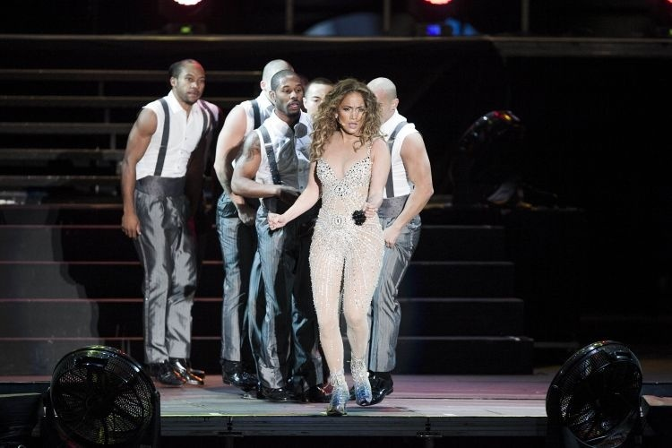 Jennifer Lopez apresenta seu show no palco do Pop Music Festival, em SP (23/6/12) 