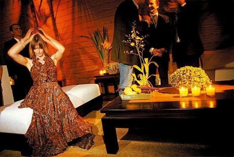 """A apresentadora Fernanda Lima comaprece na festa de lançamento da """"A1 Grand Prix"""", categoria de corrida de carros que foi criada pelo xeque Maktoum Hasher Maktoum al Maktoum (30/6/05)"""