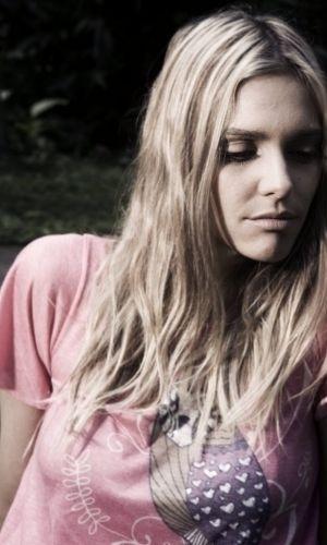 A modelo e apresentadora Fernanda Lima posa para foto (12/8/09)