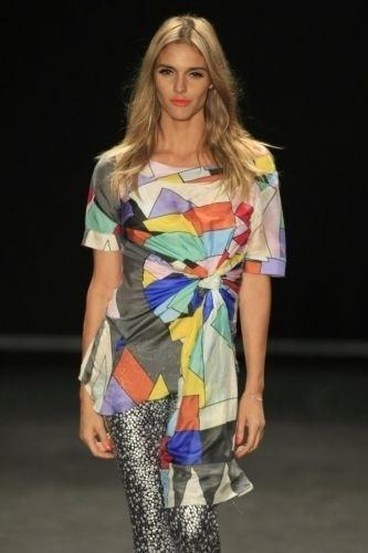 Fernanda Lima desfila para Amapô na São Paulo Fashion Week, edição Inverno 2009