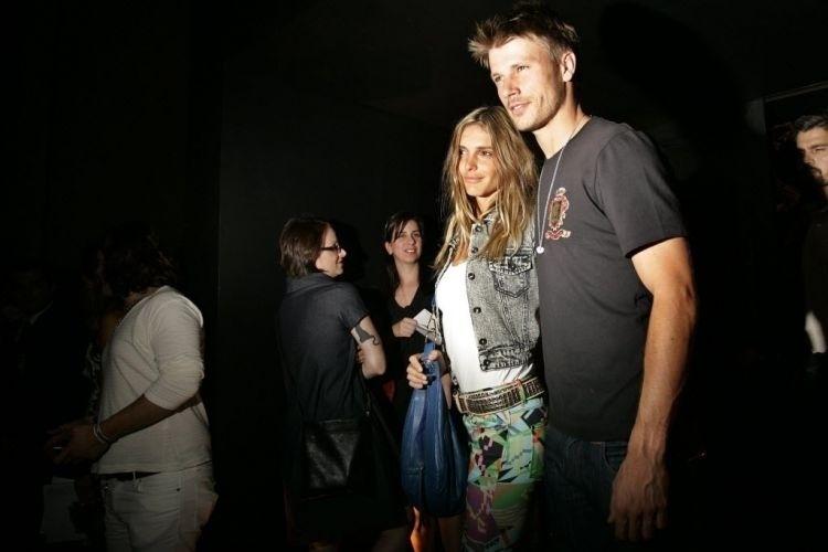 Fernanda Lima e Rodrigo Hilbert nos bastidores da São Paulo Fashion Week, edição Inverno 2009