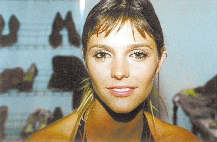 Fernanda Lima em foto de 2001