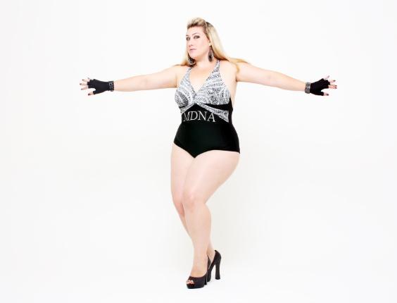 Samantha Rebello é modelo do grupo Mulheres Reais e também participou do ensaio inspirado em Madonna (junho/2012).