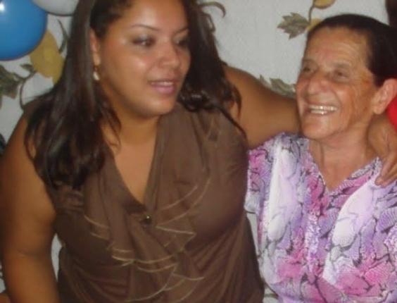 Ana Paula Gomez, de Dias D'Avila (BA), enviou foto ao lado de sua avó Esmeralda.