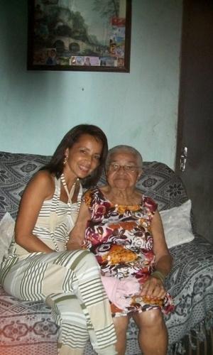 Adriana da Silva Santos, de Queimados (RJ), enviou foto ao lado de sua avó Matilde Maria da Conceição.